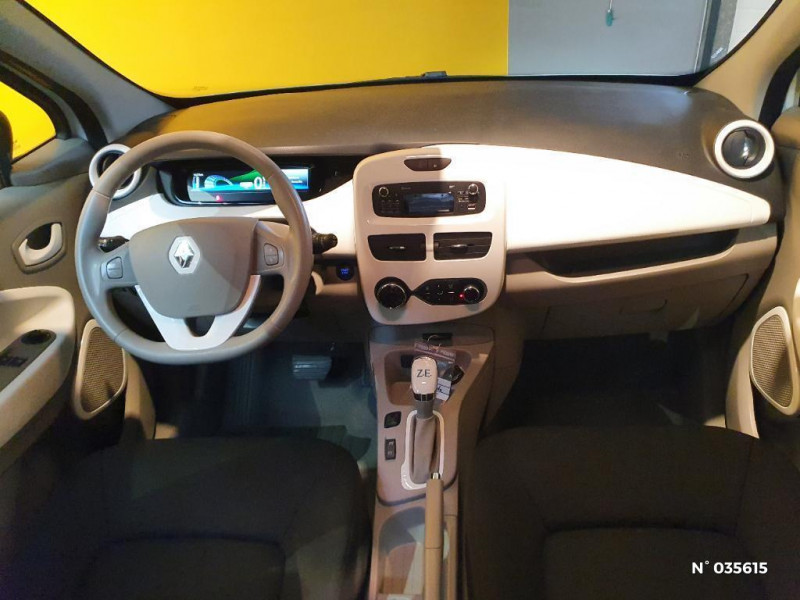 Renault Zoe Life charge normale R75 Blanc occasion à Saint-Maximin - photo n°10