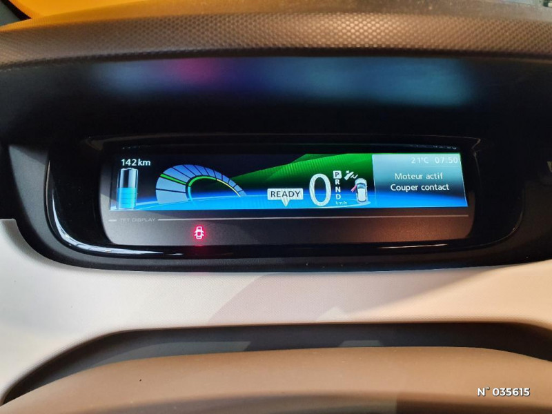 Renault Zoe Life charge normale R75 Blanc occasion à Saint-Maximin - photo n°12