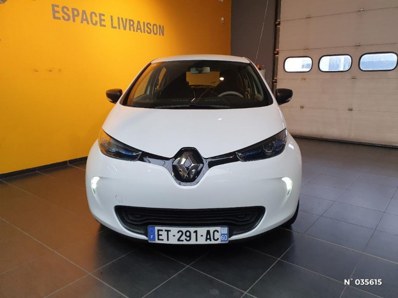 Renault Zoe Life charge normale R75 Blanc occasion à Saint-Maximin - photo n°2