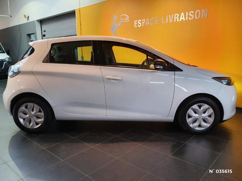 Renault Zoe Life charge normale R75 Blanc occasion à Saint-Maximin - photo n°7