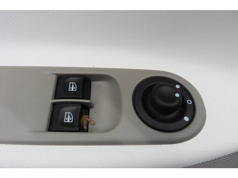 Renault Zoe Life Gamme 2017 Blanc occasion à Auch - photo n°12