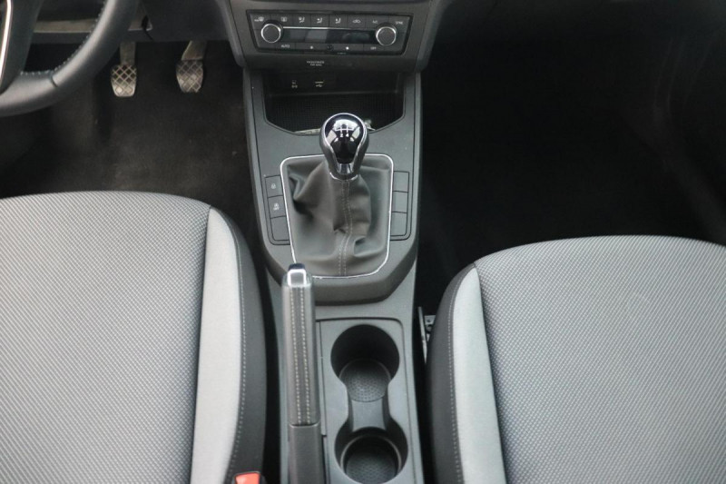 Seat Ibiza 1.0 80 ch S/S BVM5 Style Gris occasion à Dury - photo n°12