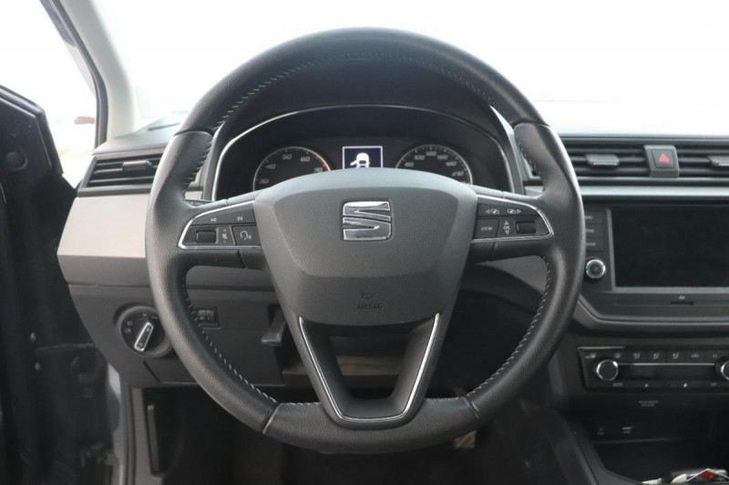 Seat Ibiza 1.0 80 ch S/S BVM5 Style Gris occasion à Tours - photo n°10