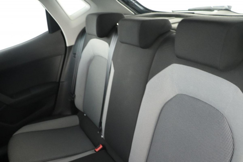 Seat Ibiza 1.0 80 ch S/S BVM5 Style Gris occasion à Tours - photo n°6