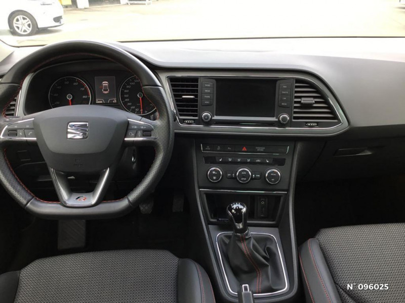 Seat Leon 1.4 TSI 150ch ACT FR Start&Stop Gris occasion à Compiègne - photo n°10