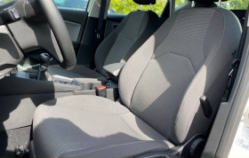 Seat Leon 1.6 TDI 115 BVM5 STYLE GPS JANTES ALU Blanc occasion à Biganos - photo n°2