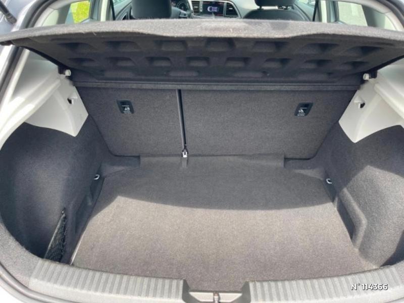 Seat Leon 1.6 TDI 115ch FAP Style Gris occasion à Mareuil-lès-Meaux - photo n°9