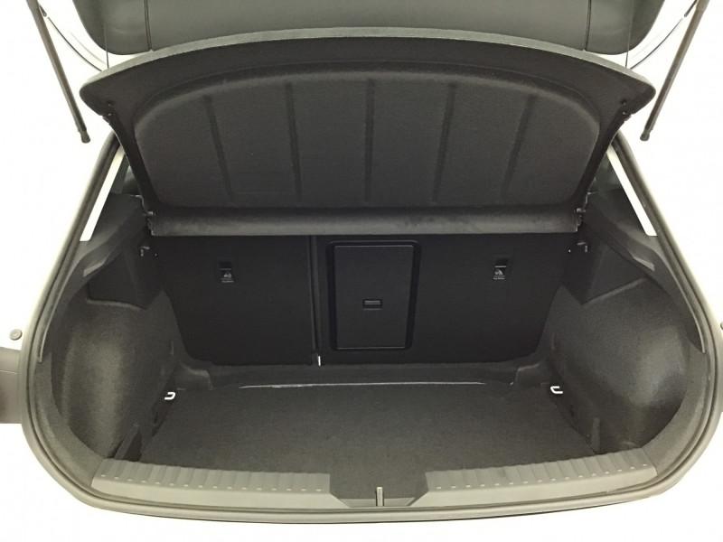 Seat Leon 2.0 TDI 150ch DSG7 FR Pack M Blanc occasion à SAINT-GREGOIRE - photo n°20