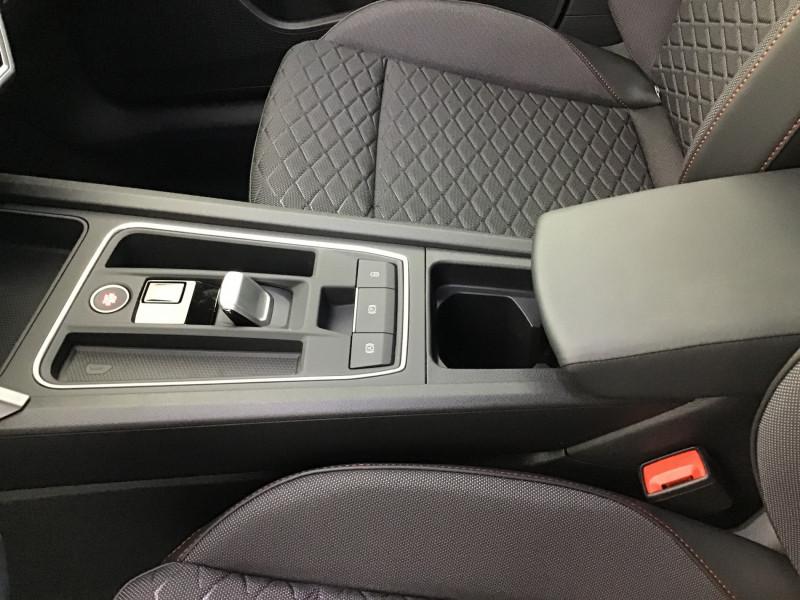Seat Leon 2.0 TDI 150ch DSG7 FR Pack M Blanc occasion à SAINT-GREGOIRE - photo n°12
