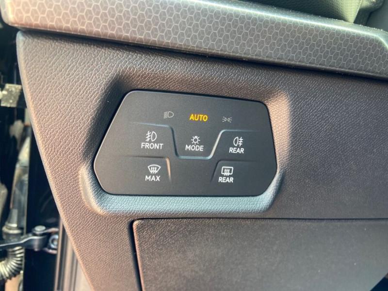 Seat Leon New 2.0 TDI 150 DSG STYLE GPS FULL LED Noir occasion à Montauban - photo n°19