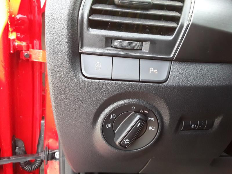 Skoda Fabia 1.0 TSI 95ch Drive 125 ans Euro6d-T Rouge occasion à LESCAR - photo n°14