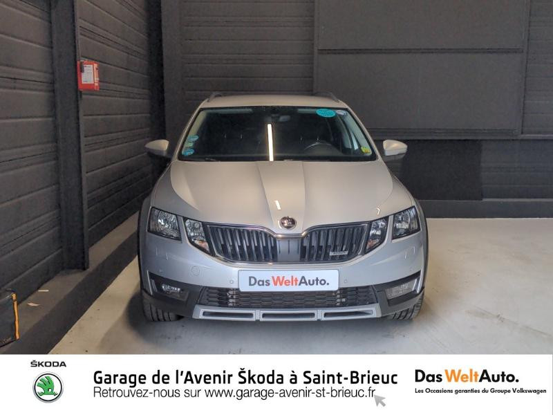 Skoda Octavia 2.0 TDI 150ch SCR Scout 4x4 DSG7 Euro6d-T Gris occasion à Saint Brieuc - photo n°5