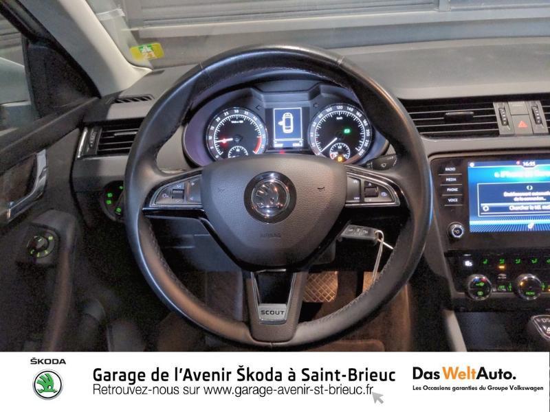 Skoda Octavia 2.0 TDI 150ch SCR Scout 4x4 DSG7 Euro6d-T Gris occasion à Saint Brieuc - photo n°8