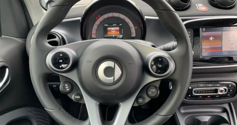 Smart Fortwo Coupe III Electrique 82ch prime Noir occasion à HERBLAY - photo n°5