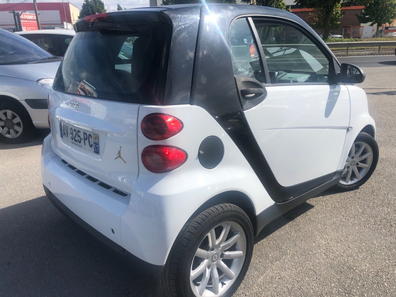 Smart Fortwo II 45 KW COUPE & PURE SOFTIP Blanc occasion à Coignières - photo n°3