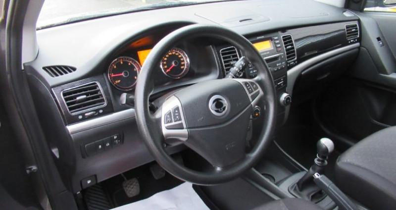 Ssang yong Korando 200 e-XDI 2WD Confort Low Emission Noir occasion à Saint Parres Aux Tertres - photo n°5