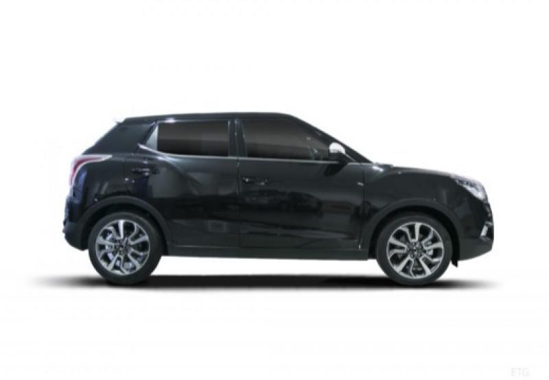Ssang yong Tivoli 160 e-XDI 115ch 4WD Luxury Noir occasion à LA RAVOIRE - photo n°4