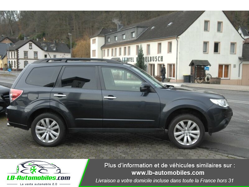 Subaru Forester 2.0 150 ch Noir occasion à Beaupuy - photo n°10