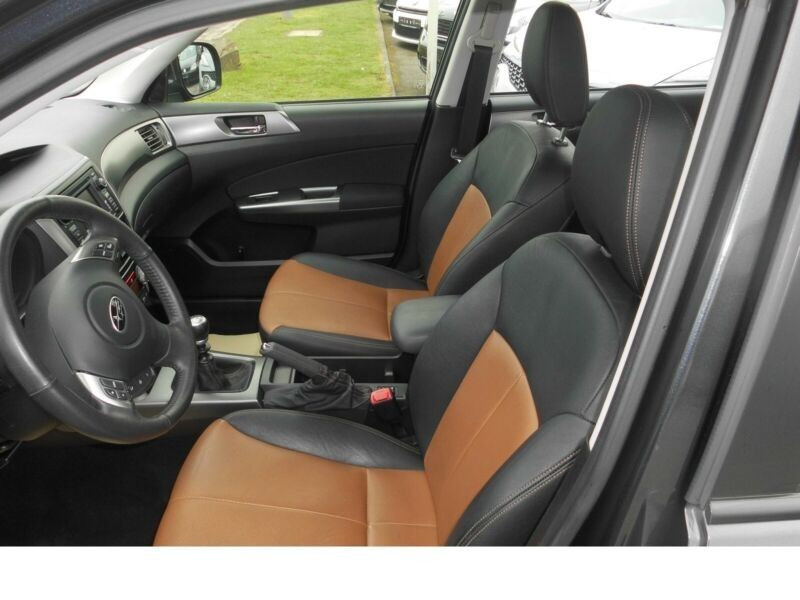 Subaru Forester 2.0 d Gris occasion à Beaupuy - photo n°4