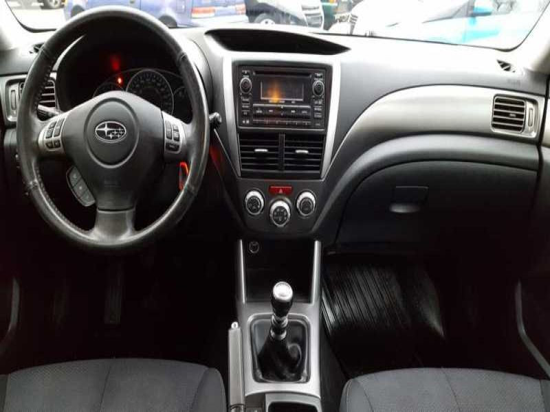 Subaru Forester 2.0 d Argent occasion à Beaupuy - photo n°2
