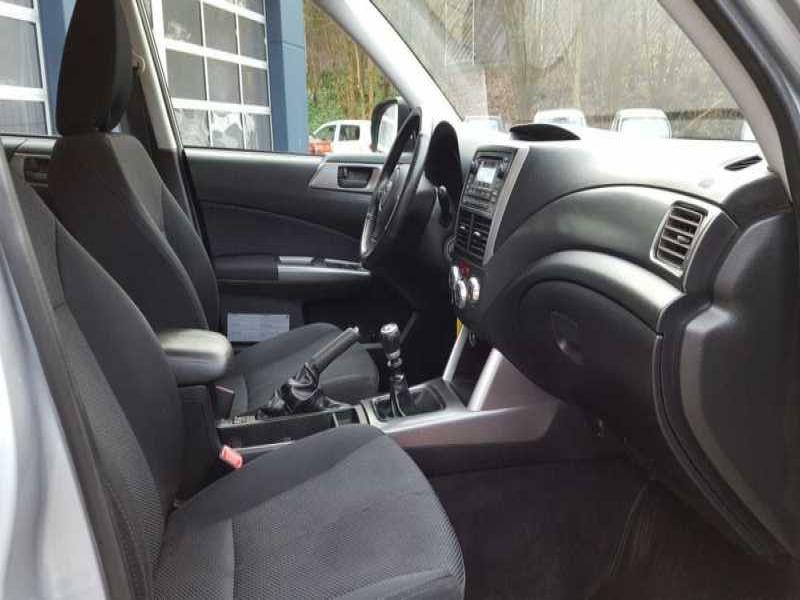 Subaru Forester 2.0 d Argent occasion à Beaupuy - photo n°4
