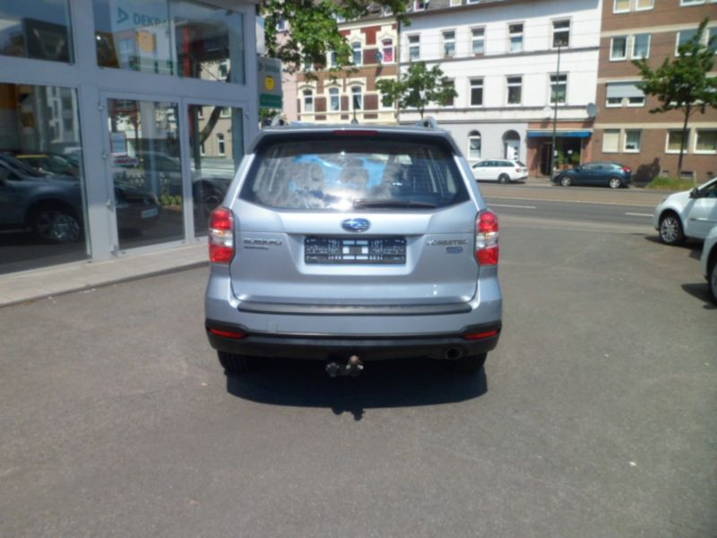 Subaru Forester 2.0 d Argent occasion à Beaupuy - photo n°8