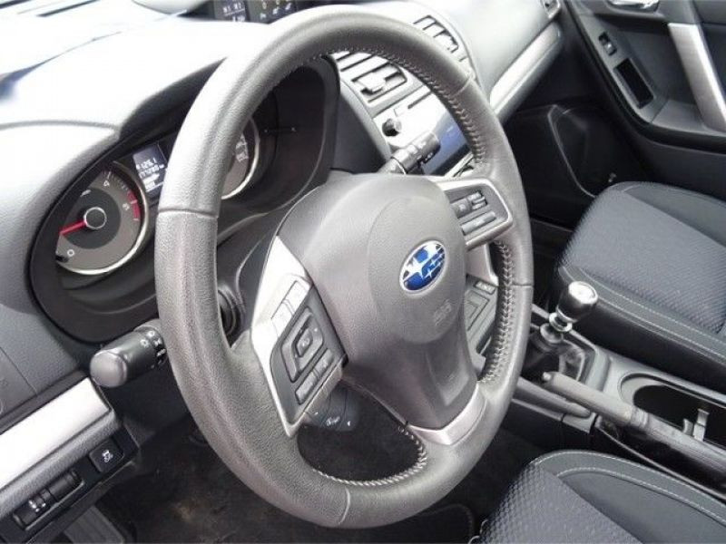 Subaru Forester 2.0 d Noir occasion à Beaupuy - photo n°6