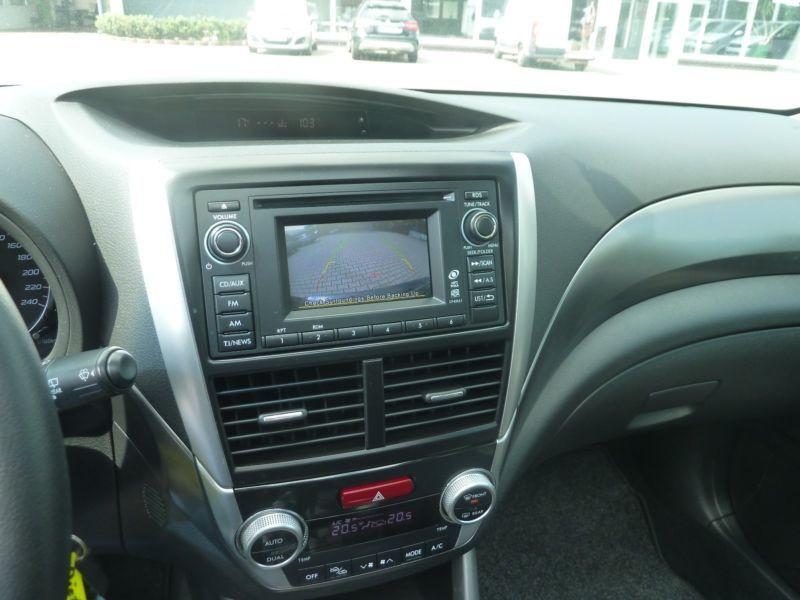 Subaru Forester 2.0 i Noir occasion à Beaupuy - photo n°8