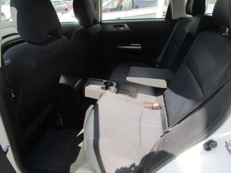 Subaru Forester 2.0 i Blanc occasion à Beaupuy - photo n°5