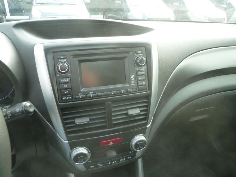 Subaru Forester 2.0 i Noir occasion à Beaupuy - photo n°6