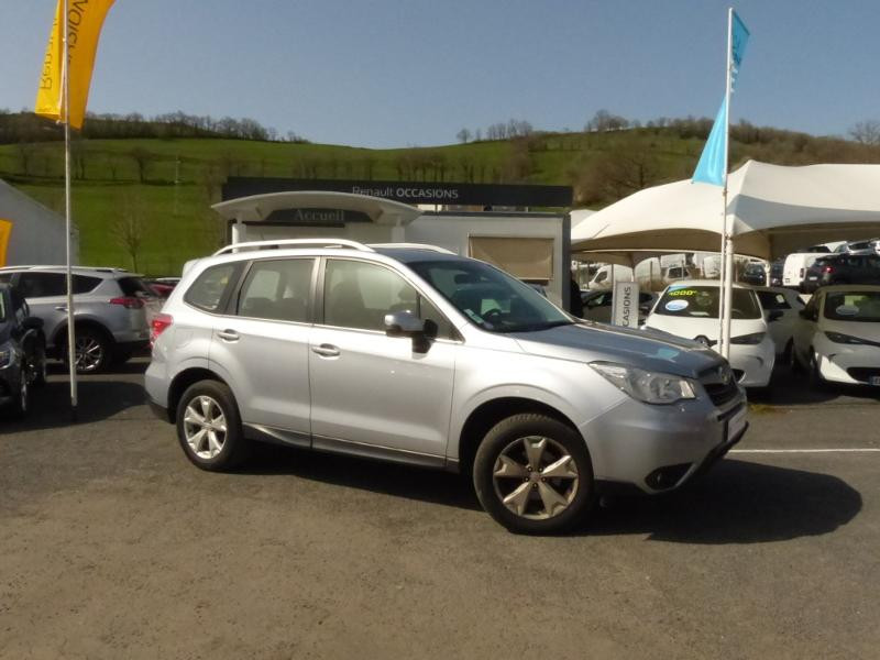 Subaru Forester 2.0i 150 Premium Lineartronic Gris occasion à Aurillac - photo n°3