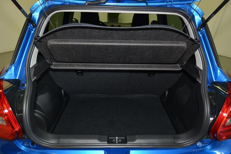 Suzuki Swift 1.2 DUALJET HYBRID 83CH PRIVILEGE Bleu occasion à Quimper - photo n°6