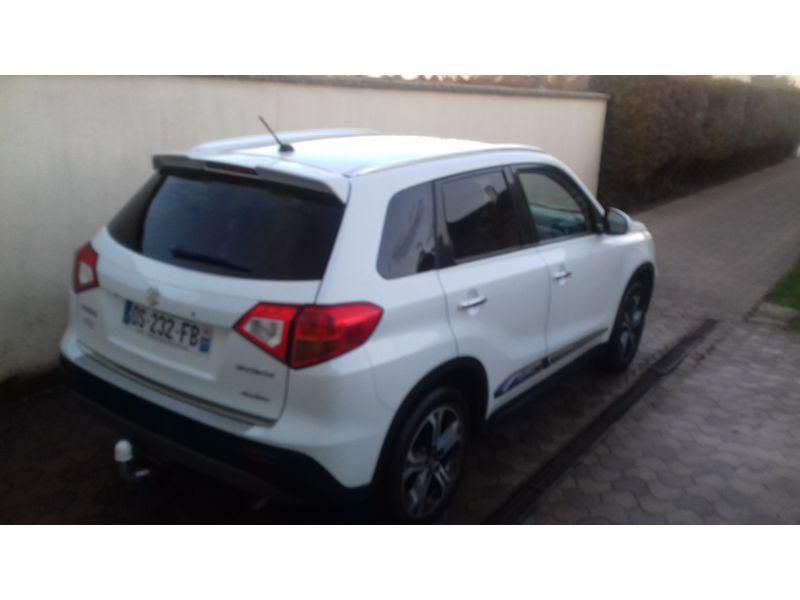 Suzuki VITARA Pack Allgrip urban Blanc occasion à Nangis - photo n°5