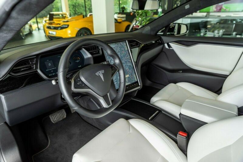 Tesla Model S 100D DUAL MOTOR Noir occasion à Villenave-d'Ornon - photo n°5