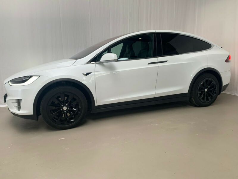 Tesla Model X 75D DUAL MOTOR Blanc occasion à Villenave-d'Ornon - photo n°2