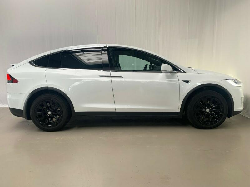 Tesla Model X 75D DUAL MOTOR Blanc occasion à Villenave-d'Ornon - photo n°4