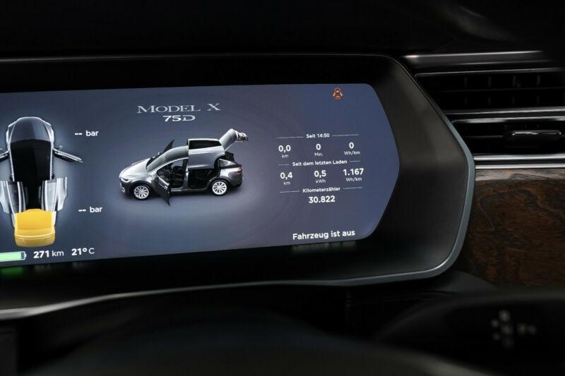 Tesla Model X 75D DUAL MOTOR Gris occasion à Villenave-d'Ornon - photo n°4
