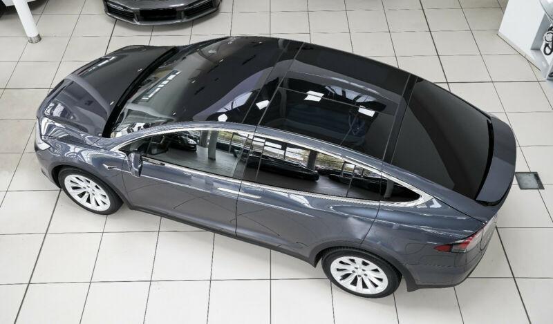 Tesla Model X 75D DUAL MOTOR Gris occasion à Villenave-d'Ornon - photo n°3