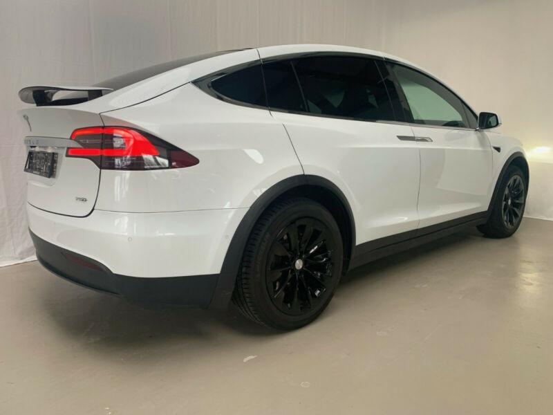 Tesla Model X 75D DUAL MOTOR Blanc occasion à Villenave-d'Ornon - photo n°3