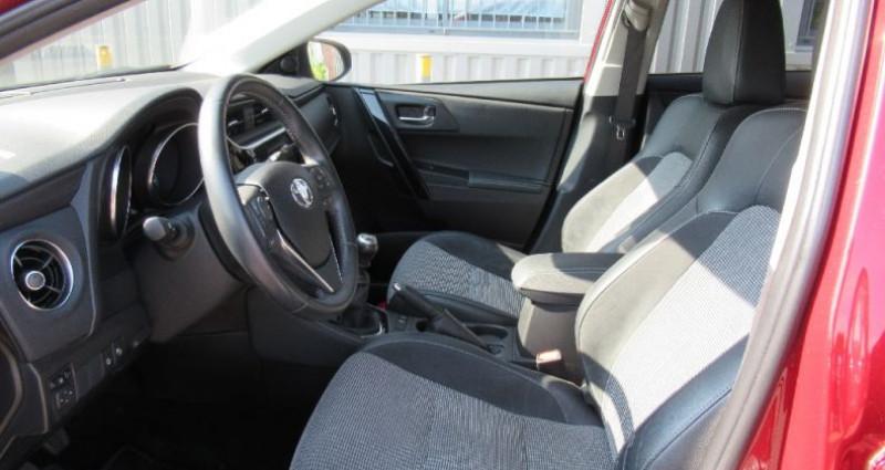 Toyota Auris 112 D-4D Executive Rouge occasion à Saint Parres Aux Tertres - photo n°6