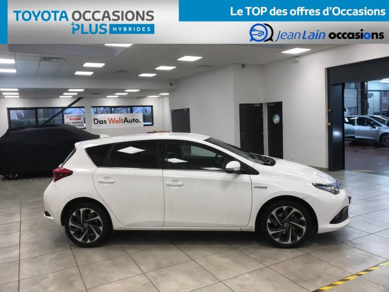 Toyota Auris Auris Hybride 136h Design 5p Blanc occasion à Bellegarde-sur-Valserine - photo n°4