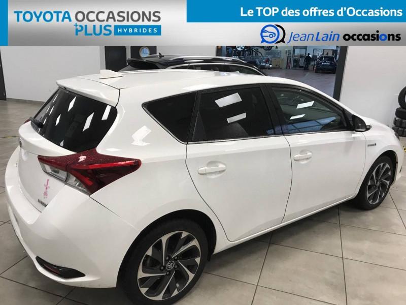 Toyota Auris Auris Hybride 136h Design 5p Blanc occasion à Bellegarde-sur-Valserine - photo n°5
