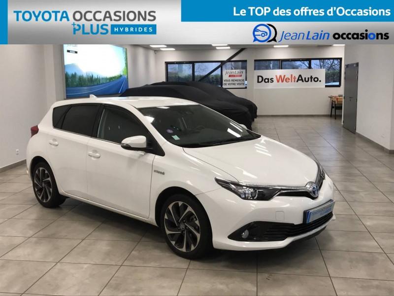 Toyota Auris Auris Hybride 136h Design 5p Blanc occasion à Bellegarde-sur-Valserine - photo n°3
