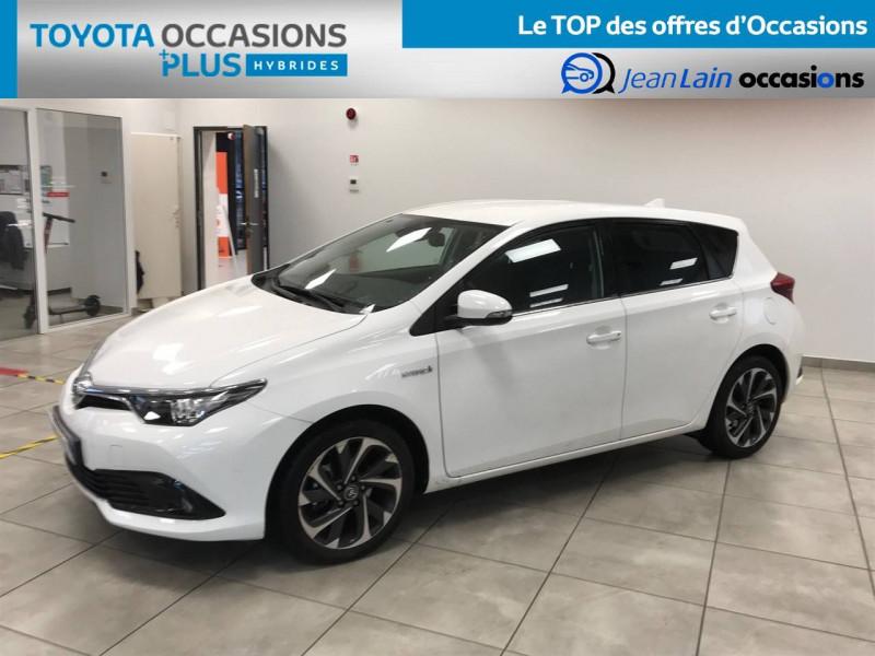 Toyota Auris Auris Hybride 136h Design 5p Blanc occasion à Bellegarde-sur-Valserine