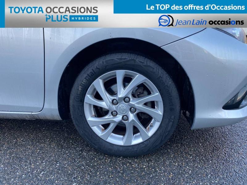Toyota Auris Auris Hybride 136h HSD E-CVT TYPE ACTIVE 5p Gris occasion à Tournon - photo n°9