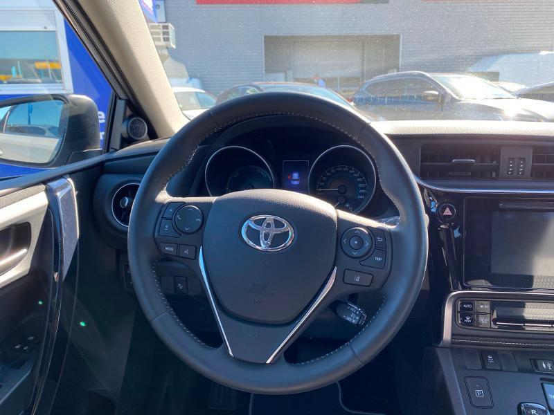 Toyota Auris HSD 136h Collection Gris occasion à Barberey-Saint-Sulpice - photo n°13