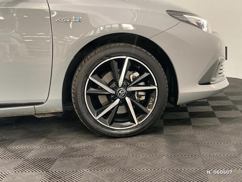 Toyota Auris HSD 136h Collection Gris occasion à Rivery - photo n°5