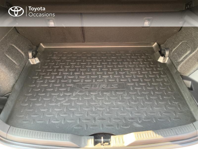 Toyota Auris HSD 136h Design RC18 Blanc occasion à Pluneret - photo n°10