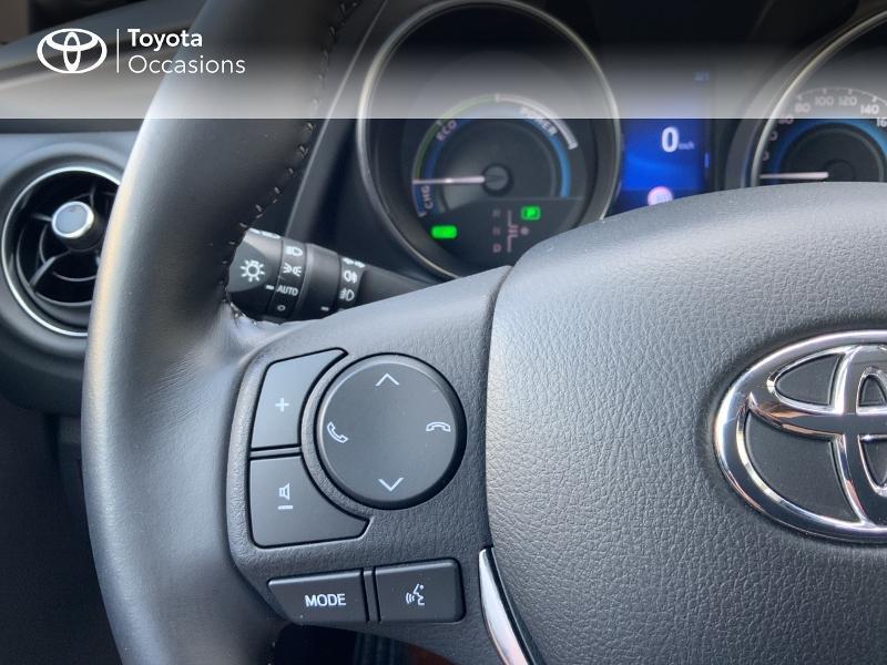 Toyota Auris HSD 136h Design RC18 Blanc occasion à Pluneret - photo n°20