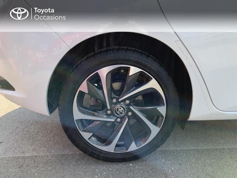 Toyota Auris HSD 136h Design RC18 Blanc occasion à Pluneret - photo n°16